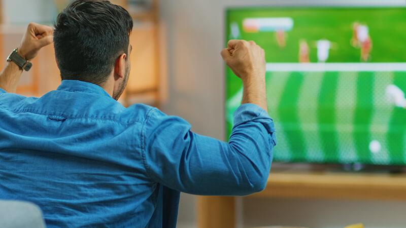 Mecze na żywo, czyli gdzie oglądać transmisje online?